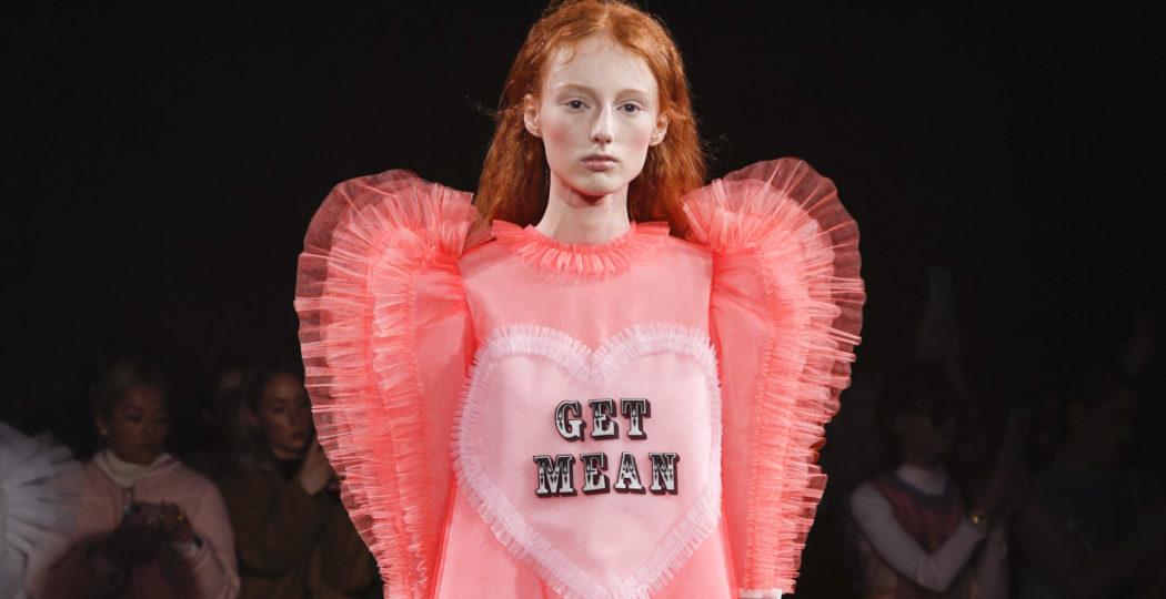 c027f52a27f Pourquoi l ironie de Viktor   Rolf sur la dernière fashion week séduit   -  The Official Marion Renard